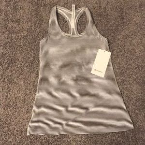 Lululemon cool racer back size 6 NWT